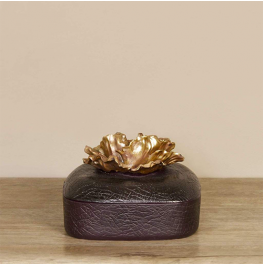 Square Box with Flower Lid